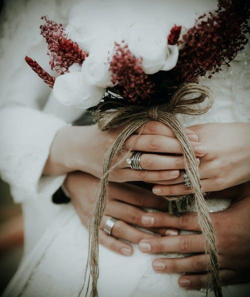 ruce svatba